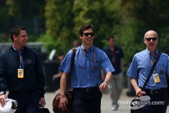 Bernd Maylander, Safety car driver, Alan van der Merwe, Medical car driver and Gary Hartsein, FIA Doctor
