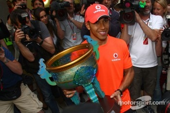Race winner Lewis Hamilton, McLaren Mercedes celebrates with his team