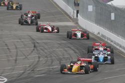 Sébastien Bourdais takes the lead at the start
