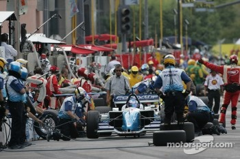 Paul Tracy  practicing pit stops