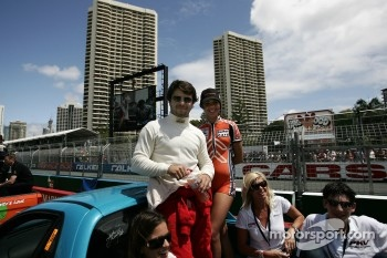 Bruno Junqueira heading out on the drivers parade