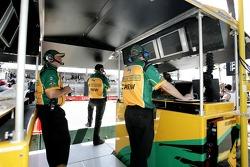 Team Australia pit box.