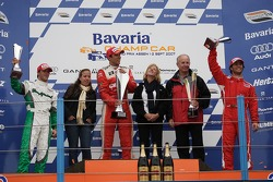 Podium: race winner Justin Wilson with Jan Heylen and Bruno Junqueira