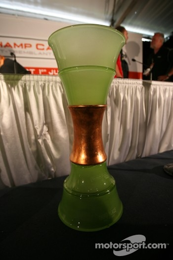 Press conference: third place trophy for the Mont-Tremblant Champ Car race