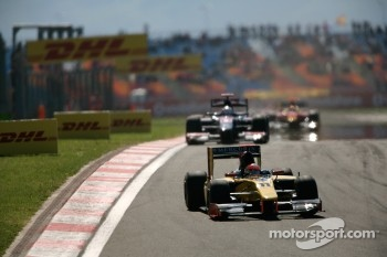 Romain Grosjean leads Julian Leal