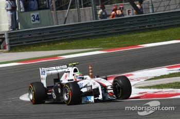 Sergio Perez, Sauber F1 Team messing his nose cone