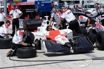 Hornish's team practices a pit stop