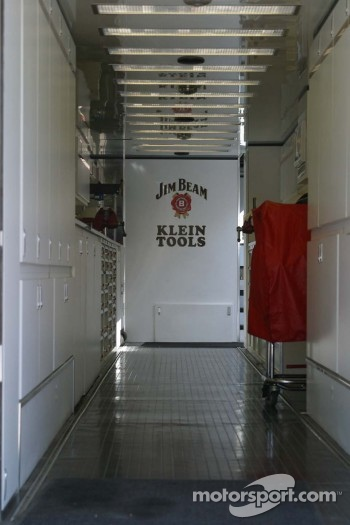 Dan Wheldon's trailer sits empty during qualifying