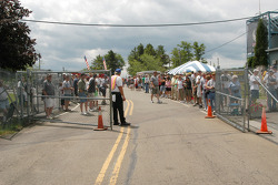 A huge crowd gathered around the pit area