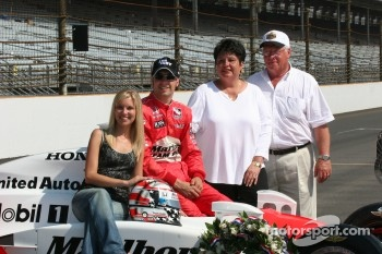 Sam Hornish jr., wife Crystal and his parents