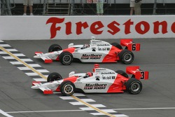 Pace laps: Helio Castroneves leads Sam Hornish Jr.
