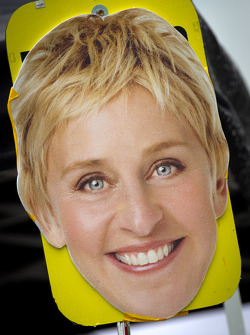 Ellen DeGeneres on the #40 Dempsey Racing Mazda RX-8 pitboard