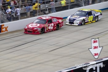 Juan Pablo Montoya, Earnhardt Ganassi Racing Chevrolet and David Reutimann, Michael Waltrip Racing Toyota