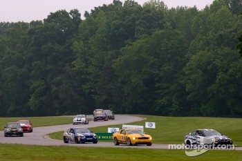 #45 Fall-Line Motorsports BMW M3 Coupe: Al Carter, Hugh Plumb leads the field on pace lap