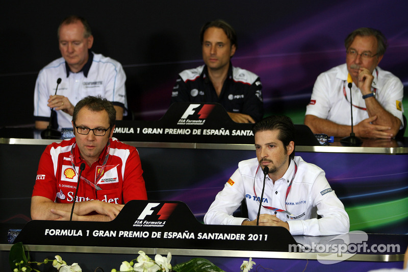 Mark Gallagher, General Manager of Cosworth, Stefano Domenicali, Managing director of Renault F1