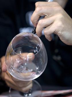 Dario Franchitti, Target Chip Ganassi Racing signs a glass