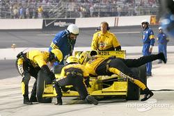 Making emergency repairs on Sam Hornish Jr.'s car