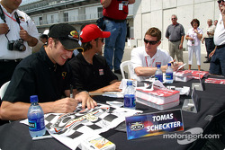 Autograph session: Tomas Scheckter, Darren Manning and Scott Dixon