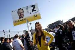 Gridgirl von Gary Paffett, Mercedes-AMG Team ART, Mercedes-AMG C63 DTM