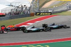 Lewis Hamilton, Mercedes AMG F1 W07  leads Nico Rosberg, Mercedes AMG Petronas F1 W07 and Daniel Ricciardo, Red Bull Racing RB12