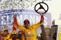 NASCAR Sprint Cup Fotos - Race winner Joey Logano, Team Penske Ford
