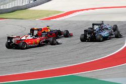 Lewis Hamilton, Mercedes AMG F1 W07 Hybrid; Daniel Ricciardo, Red Bull Racing RB12; Nico Rosberg, Mercedes AMG F1 W07 Hybrid; Kimi Räikkönen, Ferrari SF16-H