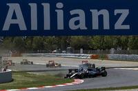 Forma-1 Fotók - Lewis Hamilton, Mercedes AMG F1 W07 Hybrid és Nico Rosberg, Mercedes AMG F1 W07 Hybrid