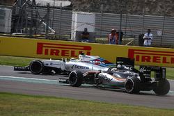 Felipe Massa, Williams Martini Racing FW38; Sergio Perez, Force India F1 VJM09