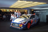 WRC Foto's - Dani Sordo, Hayden Paddon, John Kennard, Marc Marti, onthullen 2017 Hyundai i20 Coupe WRC