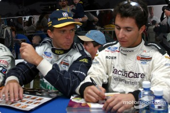 Drivers autograph session: Gualter Salles and Bruno Junqueira