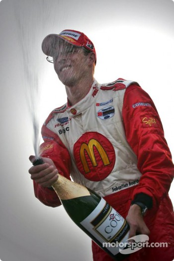 Podium: champagne for Sbastien Bourdais