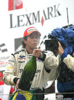 Podium: champagne for Bruno Junqueira