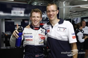 Anthony Davidson and Sbastien Bourdais celebrate LM P1 pole