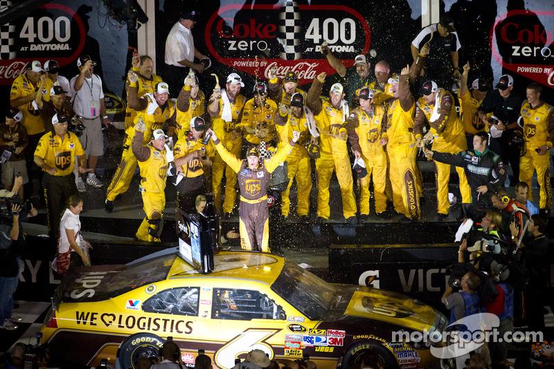 Victory lane: race winner David Ragan, Roush Fenway Racing Ford celebrates