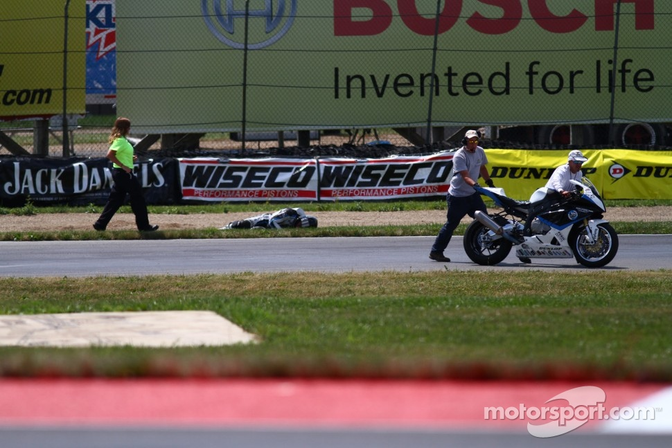 #8 Team Iron Horse BMW, BMW S1000RR: Chris Peris' crash brings out a red flag