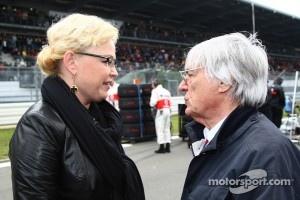 Oksana Kosachenko, manager of Vitaly Petrov, Lotus Renault GP with Bernie Ecclestone