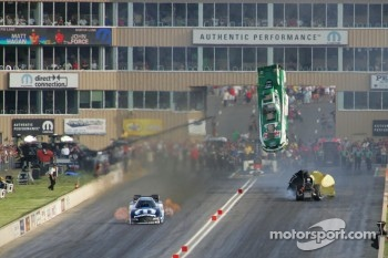 John Force, Castrol GTX High Milage Ford Mustang, Matt Hagan, DieHard Dodge Charger