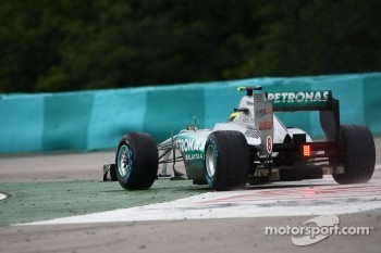 Nico Rosberg, Mercedes GP F1 Team goes wide