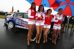 Franz Engstler, BMW 320 TC, Liqui Moly Team Engstler and Liqui Moly girls