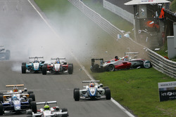 Start: Roberto Merhi, Prema Powerteam, Dallara F308 Mercedes, Daniel Juncadella, Prema Powerteam, Dallara F309 Mercedes, Pipo Derani, Prema Powerteam, Dallara Mercedes, Carlos Munoz, Signature, Dallara F308 Volkswagen