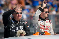 Joe Nemechek, Nemco Motorsport Toyota and Jeremy Clements, Chevrolet