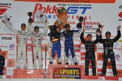 GT300 class podium: winners Tetsuya Yamano, Kota Sasaki, second place Masami Kageyama, Tomonobu Fujii, third place Atsushi Yogo, Manabu Orido