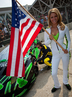 A charming grid girl