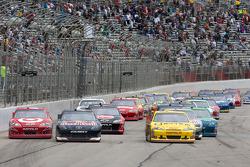 Kasey Kahne, Red Bull Racing Team Toyota, Juan Pablo Montoya, Earnhardt Ganassi Racing Chevrolet and Clint Bowyer, Richard Childress Racing Chevrolet
