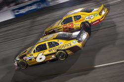 David Ragan, Roush Fenway Racing Ford and Kurt Busch, Penske Racing Dodge