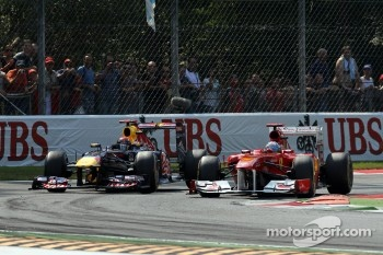 Sebastian Vettel, Red Bull Racing and Fernando Alonso, Scuderia Ferrari
