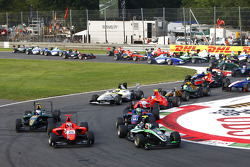 Antonio Felix Da Costa leads Mitch Evans, Conor Daly and the field at the start of the race