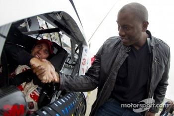 Greg Biffle, Roush Fenway Racing Ford with actor Tyrese Gibson