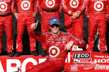 Race winner Scott Dixon, Target Chip Ganassi Racing