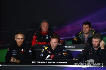 Martin Whitmarsh, McLaren, Chief Executive Officer with Christian Horner, Red Bull Racing, Sporting Director, Ross Brawn, Pirelli Motorspor Director